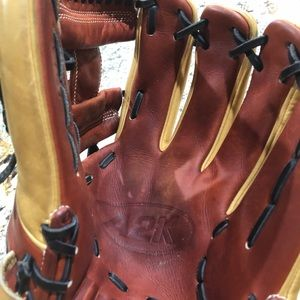 Wilsons Leather Other - Wilson A2k